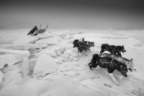 Ragnar Axelsson - »Arctic Heroes – Where the world is melting«